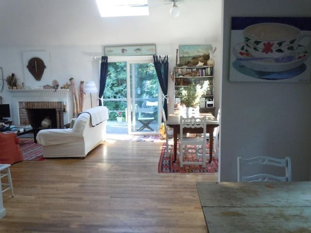 dining area, living room, door to deck