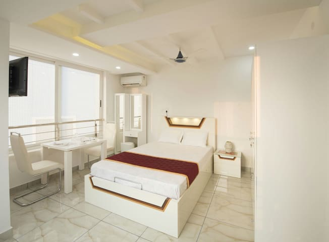 Rahul Residency(Deluxe A/C Double)