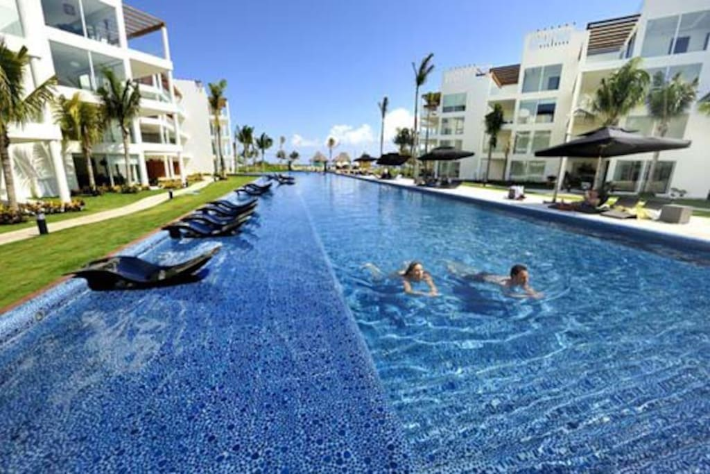 The elements luxury ocean front apartments for rent in for The elements playa del carmen