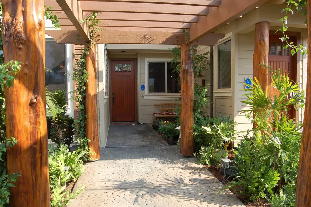 Garden zen entry into condo