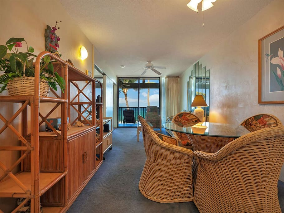 kona-bali-kai-1br-of-313-living-room-01.jpg
