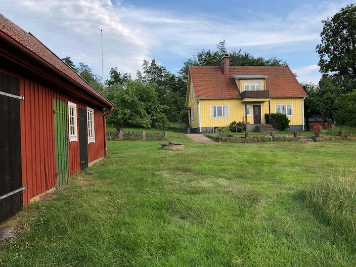 Hus på landet i Amböke, 2 mil från Halmstad