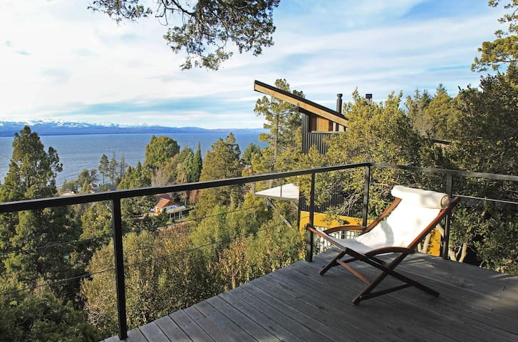 TREE HOUSE WITH LAKE VIEW - San Carlos de Bariloche - House