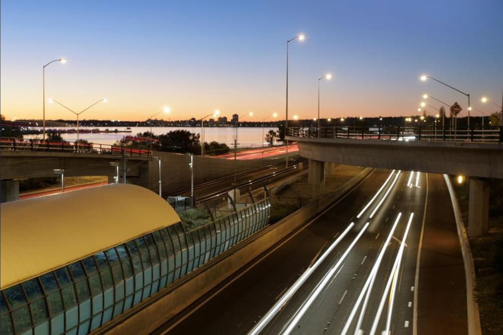 5 minute walk to Canning Bridge Train Station