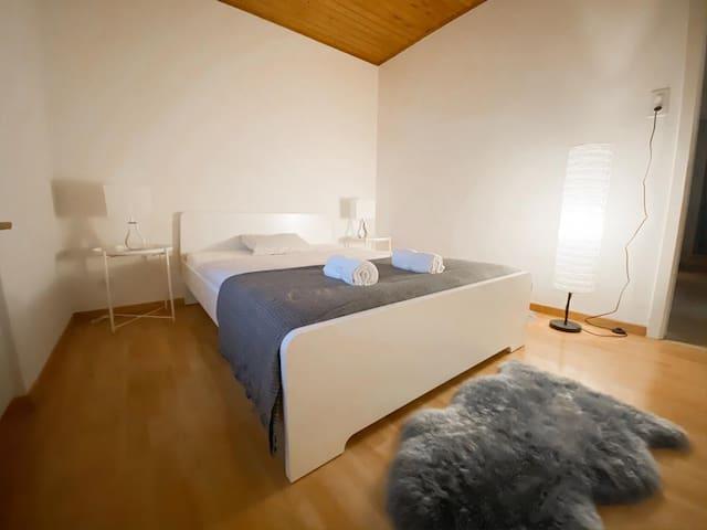 Gardenhouse Room 3 Zurich Airport (1BR)