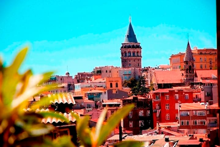 Bright Room, Apt. with Galata Tower & Rooftop View - Beyoğlu - Apartamento
