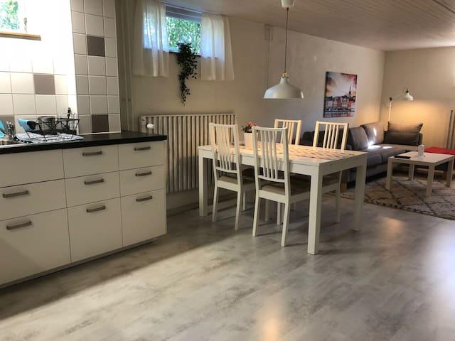 Fräsch lägenhet med uteplats centralt i Borgholm