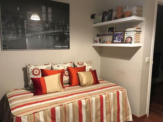 Preciosa habitación en el mejor sitio de Madrid