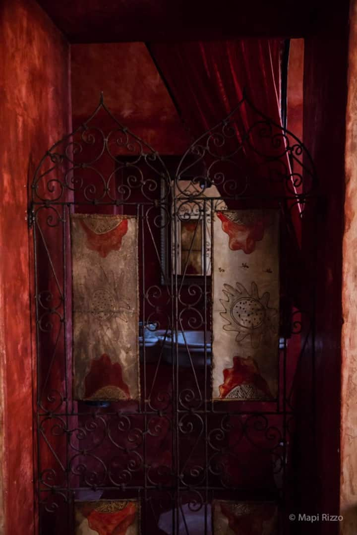 Room of the Sunset House Faranda