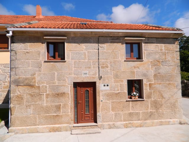 Casa Cuadrante - Little house at beautiful beach - Pedrafigueira - Huis