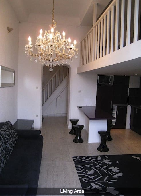FAB STUDIO HAS 2 MEZZ SLEEPS 4 WIFI Flats For Rent In