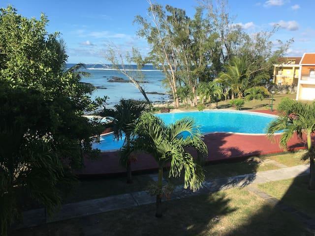 Beachfront Villa Palmar 2