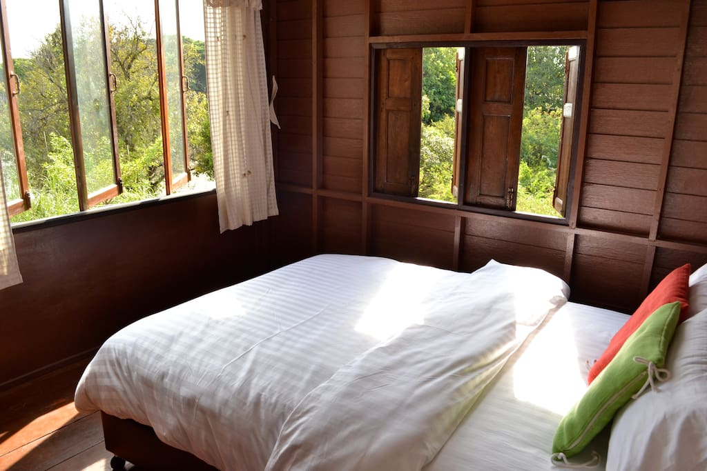 A bedroom with river view ( Air-condition)