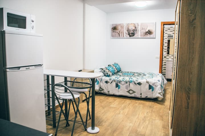 Studio San Isidro. For 2 persons, modern and quiet