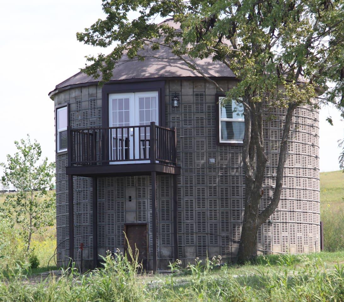 Corn Crib guest cottage