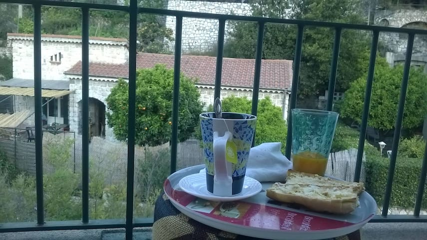 Studio Nice-Est avec balcon et couchage - Nice - Apartment