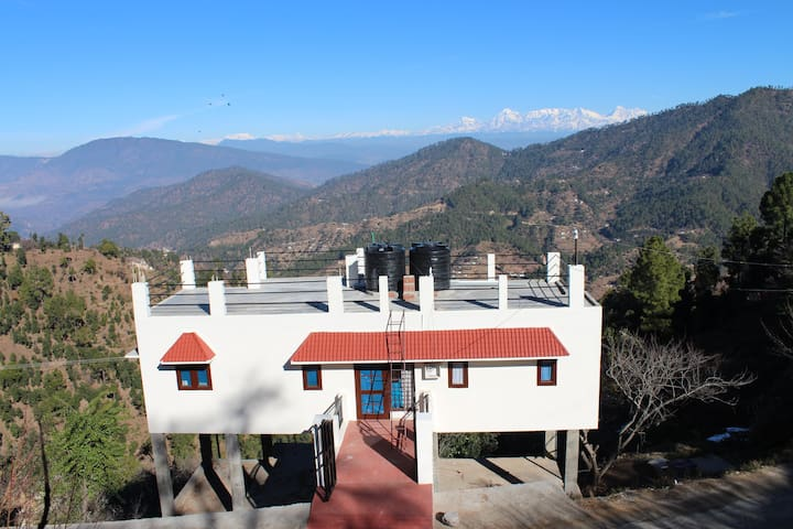own holiday home in hills amidst fruit orchards. - Nathuwakhan - House