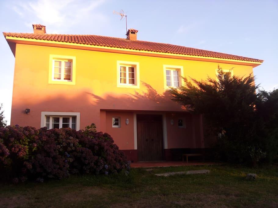Casa rural moderna en corti an houses for rent in mi o for Casa moderna galicia
