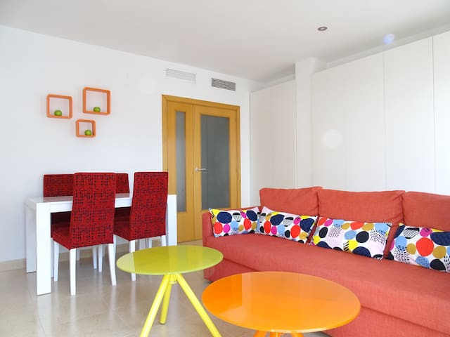 Funny Orange & Centric  with  cosy terrace
