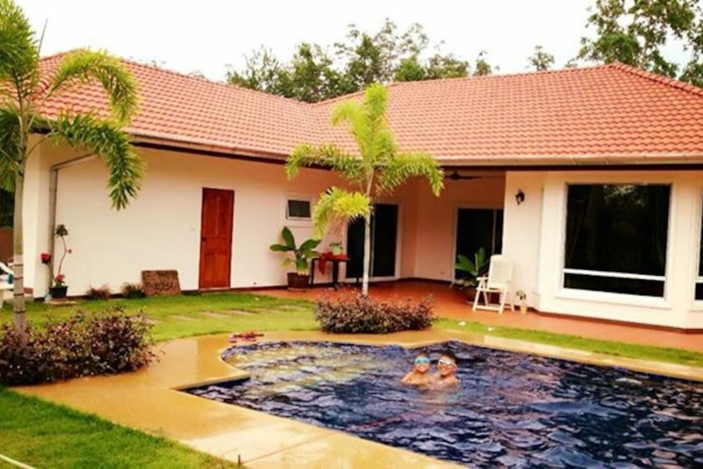 A lovely pool 4.5m.x8m.