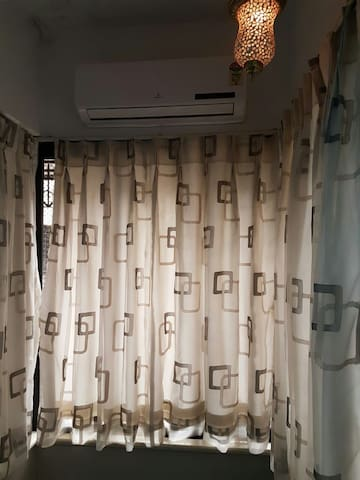 Cozy place in the heart of Lokhandwala Andheri W