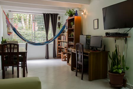 Peace in Palestine /// Single Room - Envigado - Apartamento
