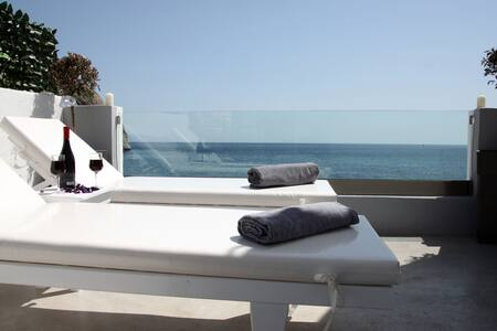 Theoni apartment 10 m. from the sea