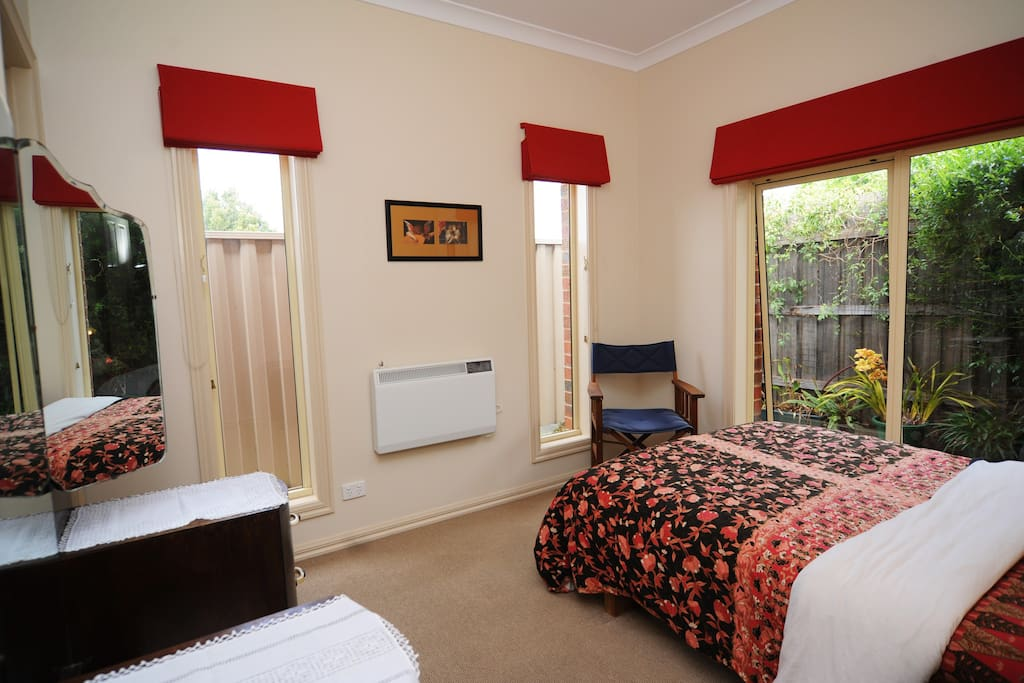Bed Room Apartment Hadfield