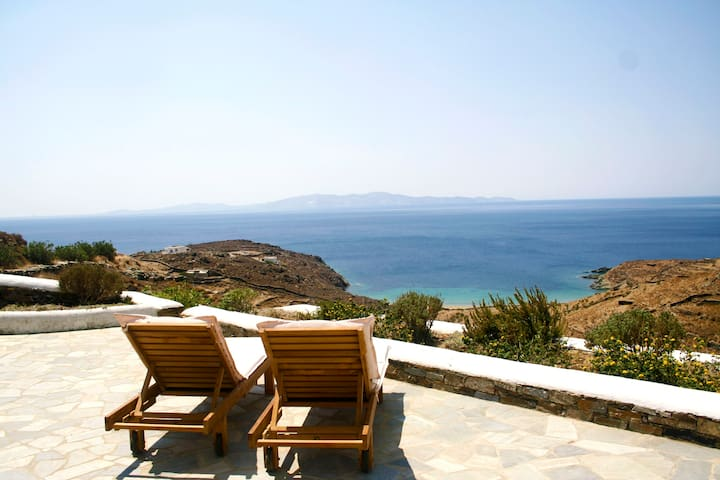 Stunning sea views, secluded villa!