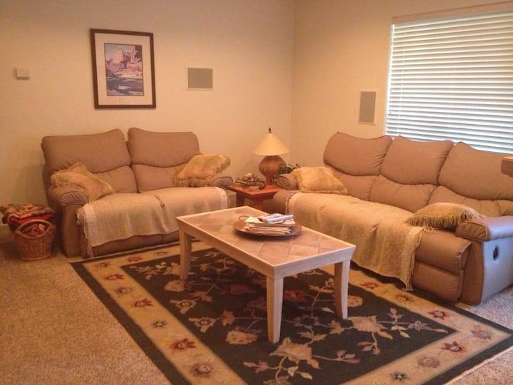 Harmony Belle - 2 Bedroom/2 Bath with living room
