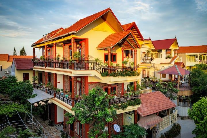 Private room in Tam Coc Tourist Center