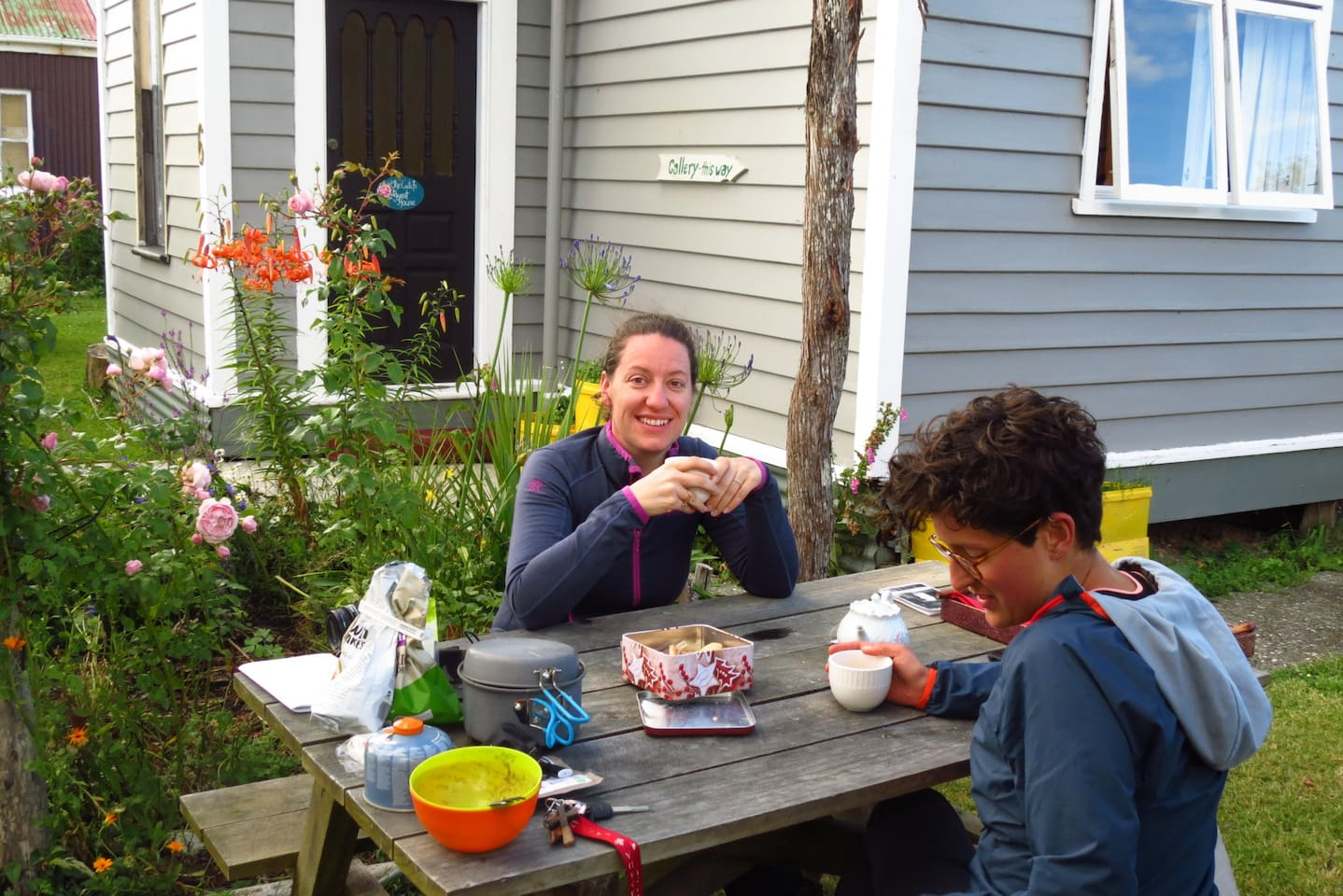 Guests enjoying a hikers breakfast outside the CWTCH.