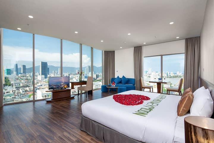 Grand Suite Room in the heart of city