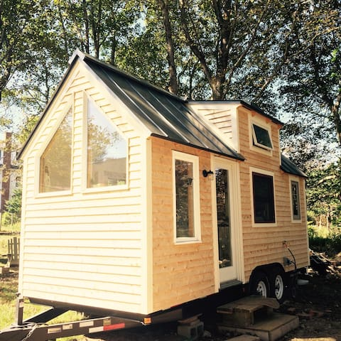 Rustic Manset Tiny House