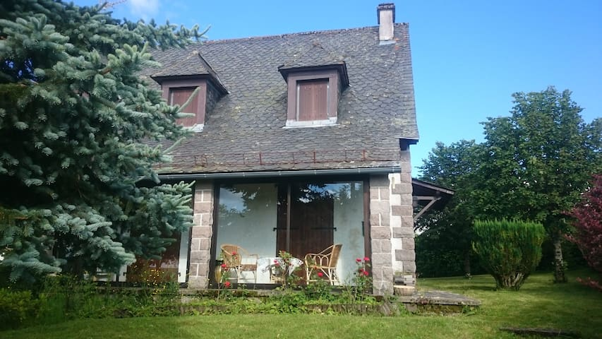 maison récente type traditionnelle - Trizac - House