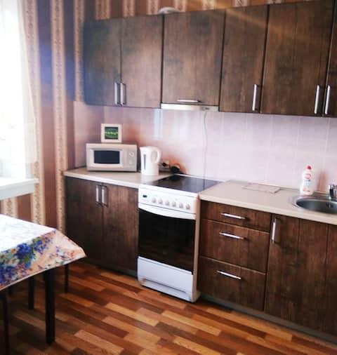 1 комнатная квартира,  ул. Титова 242/2,  МНТК
