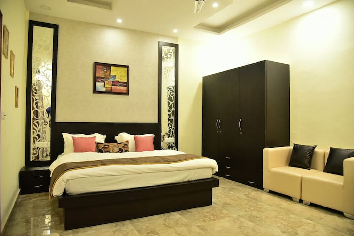 SilverLeaf Apartments - Amritsar - Daire