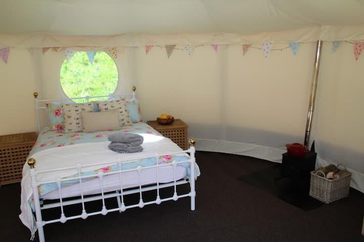 Luxury Yurt in woodland near Alton Towers.
