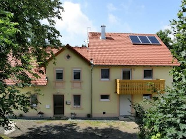 Große idyllisch ***Fewo - Stadtsteinach - Apartament