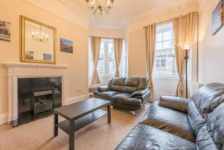 Beautiful spacious apartment Haymarket/Murrayfield