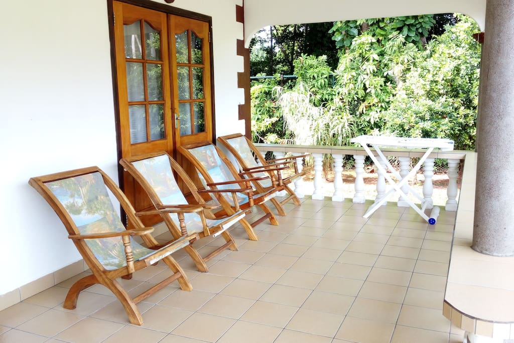 Sitting lounge at the spacious terrace