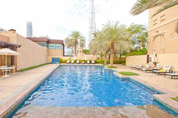 Walk to Dubai Mall! Luxury suite heart of Downtown