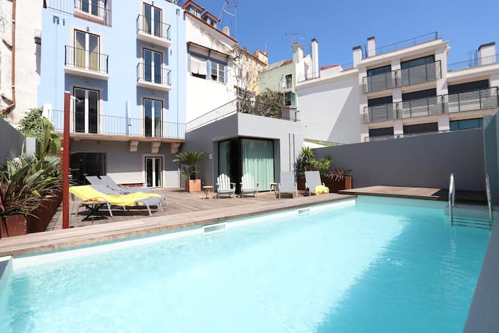 Family Dream at Downtown: Pool, Terrace, AC, Park