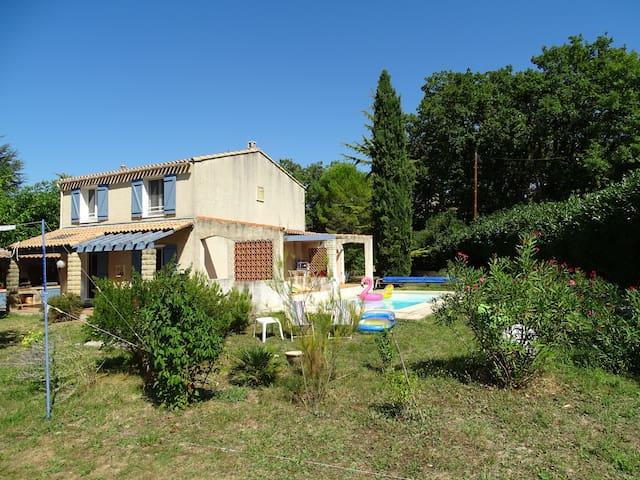 Deux chambres à Mimet au cœur de la Provence