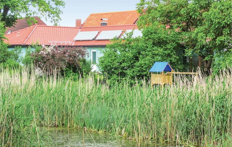 Holiday cottage with 5 bedrooms on 198 m² in Priborn