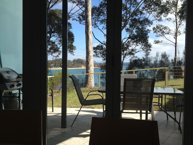 Beachfront - Batemans Bay - Rivitalo