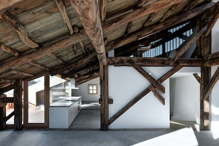 Architektur Highlight - historisches Patrizierhaus - Samedan
