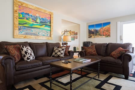 Amazing views 20 minutes to ski business ready - Cottonwood Heights - Casa