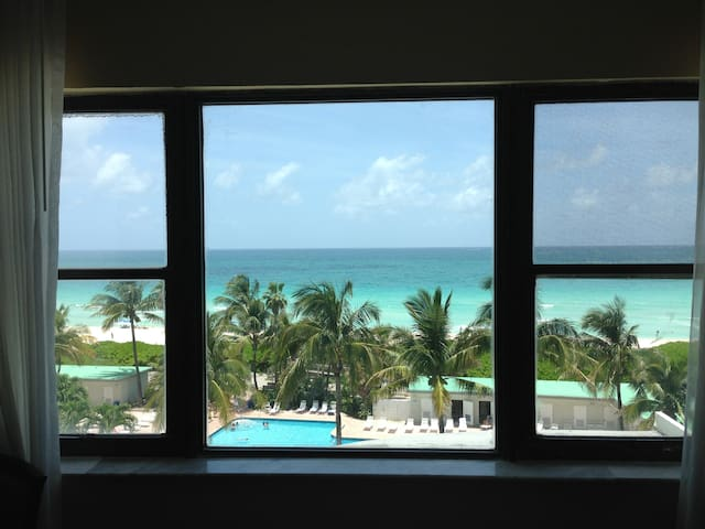 AMAZING OCEAN VIEW BEACHFRONT W/ POOL - Miami Beach - Apartment