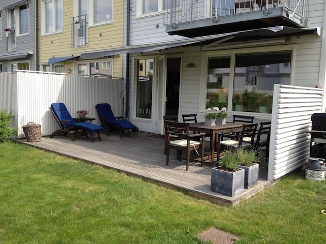 Radhus i Järvastaden/Sundbyberg  - Sundbyberg - Casa